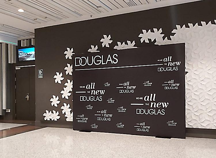 Diseño de Photocall para Douglas Cosmetics